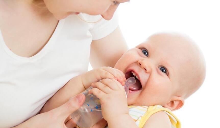 怎样正确给宝宝断奶?宝宝几个月断奶最好