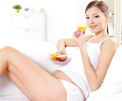 有人问:女性在孕前期有什么不能吃的?