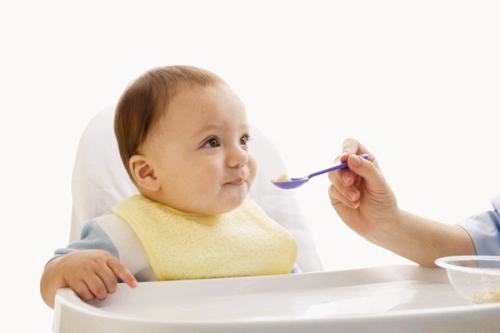 我们应该如何预防婴儿营养不良的问题